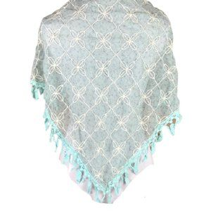 SCARF BY COLLECTION EIGHTEEN VINTAGE LACE TRIANGLE